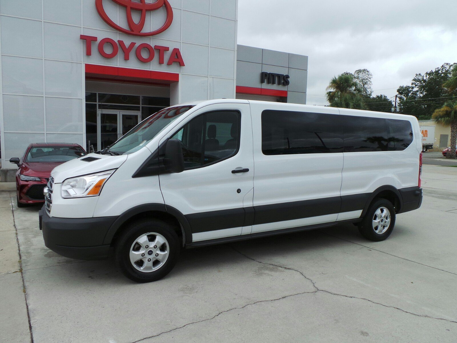 Ford 12 Passenger Van >> Pre Owned 2017 Ford Transit Wagon Xlt 12 Passenger Rwd Full Size Passenger Van