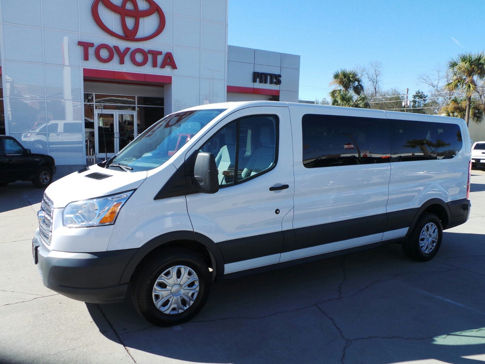 Pre-Owned 2015 Ford Transit Wagon XLT 15 Passenger