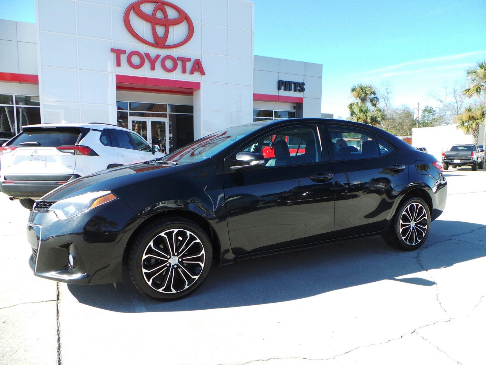 Pre-Owned 2014 Toyota Corolla Plus Manual