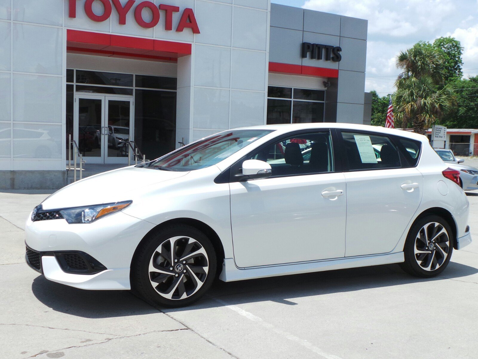 Pre-Owned 2018 Toyota Corolla iM 5DR HB SE CVT