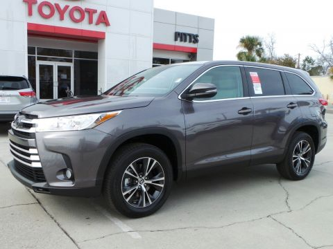 New 2019 Toyota Highlander LE Plus